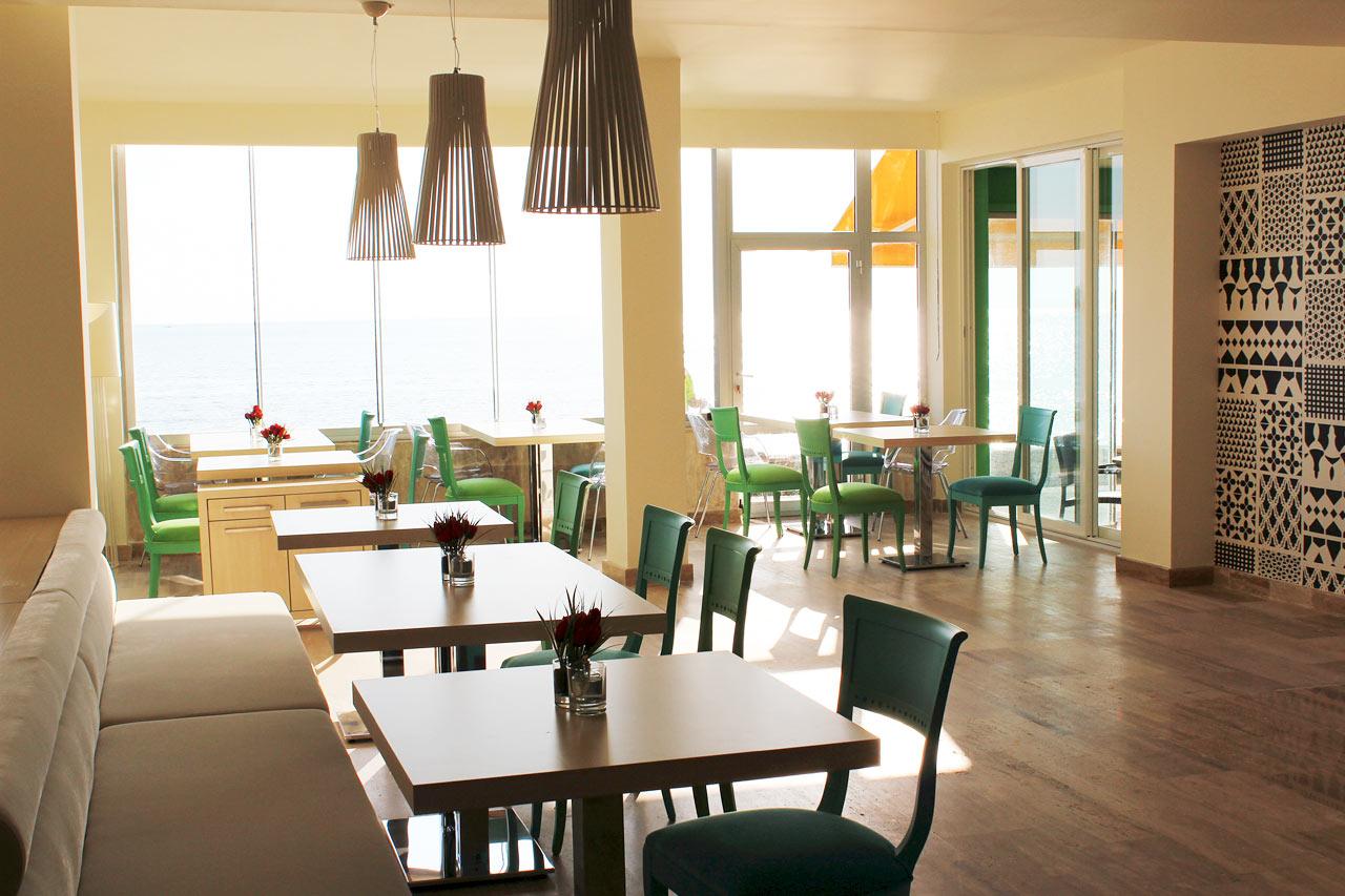 Ät och drick gott i Sunprime Restaurang.