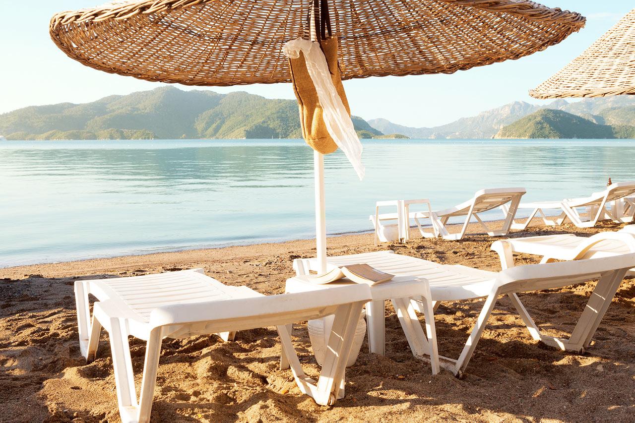 Sunprime Beachfront - Här kan du njuta av lugnet, salta bad och en magnifik utsikt