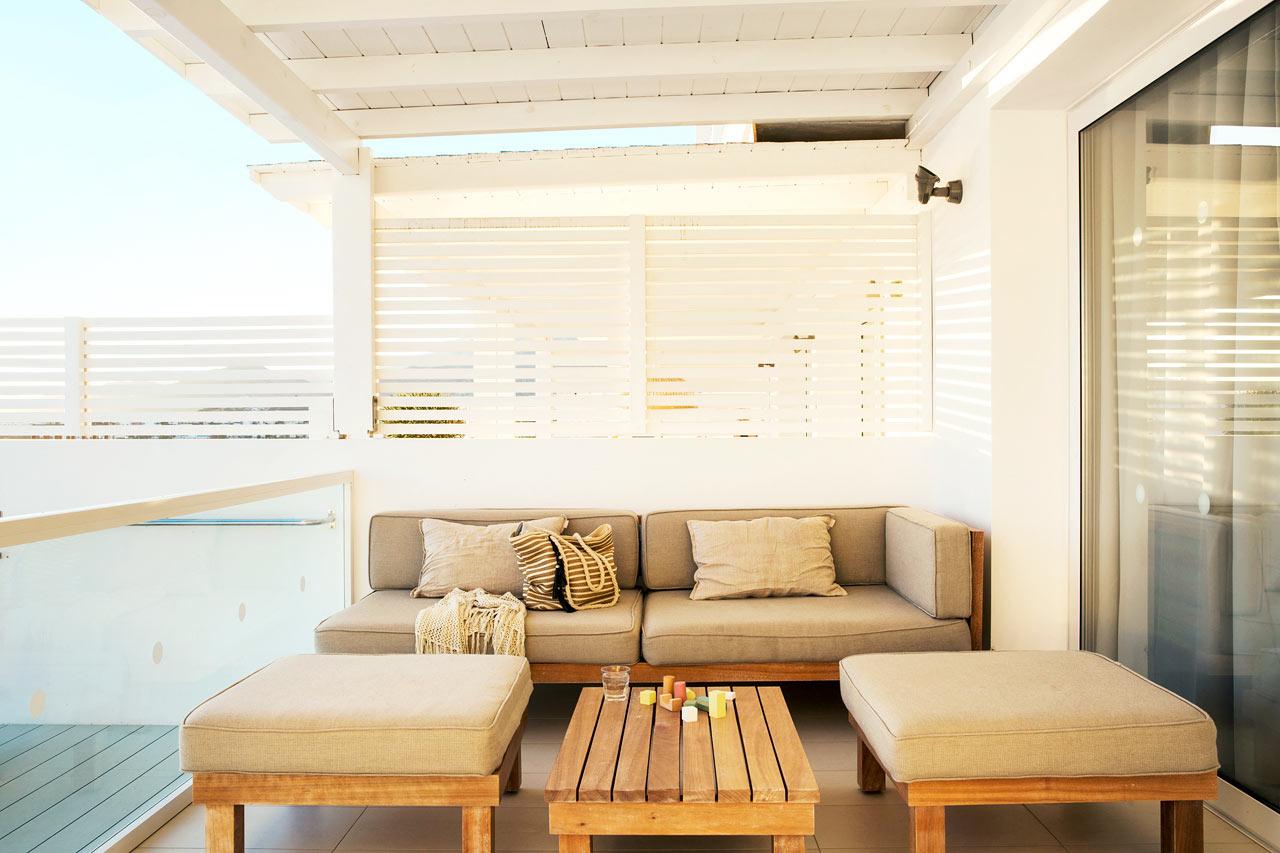 Trerumslägenhet Royal Pool Suite, stor terrass med havsutsikt och access till privat, delad pool, Afrodite.