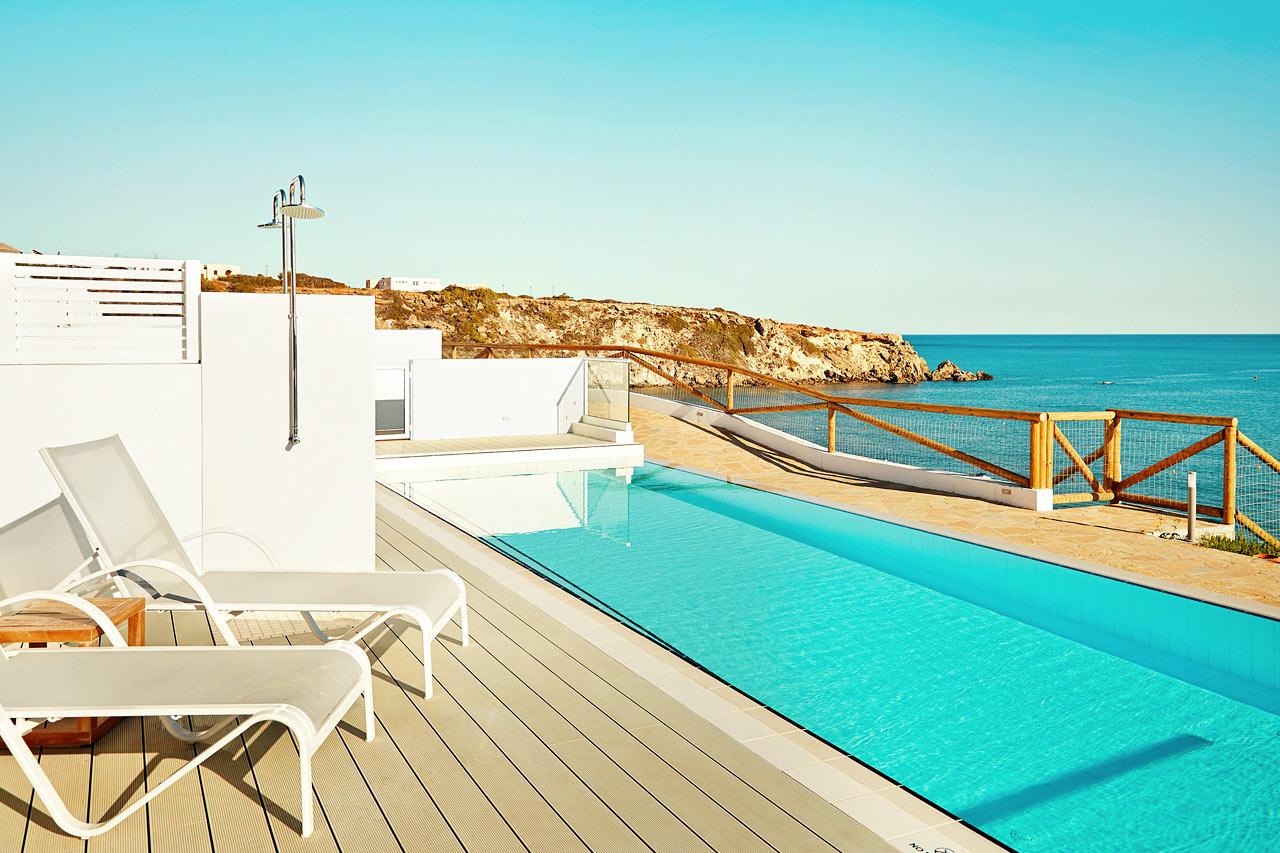 En av de härliga Royal Pool Suites med access till privat, delad pool, Afrodite
