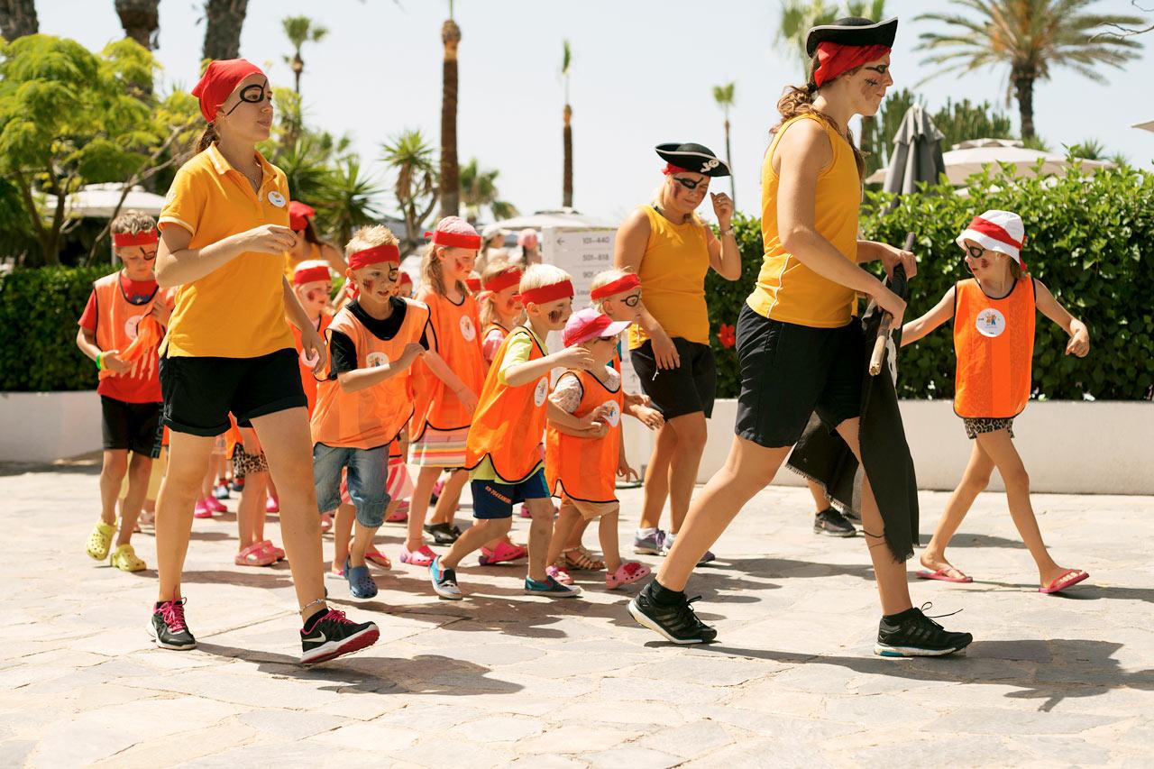 Sunwing Sandy Bay Beach - Våra duktiga aktivitetsvärdar ser till att barnen aldrig får tråkigt under semestern.