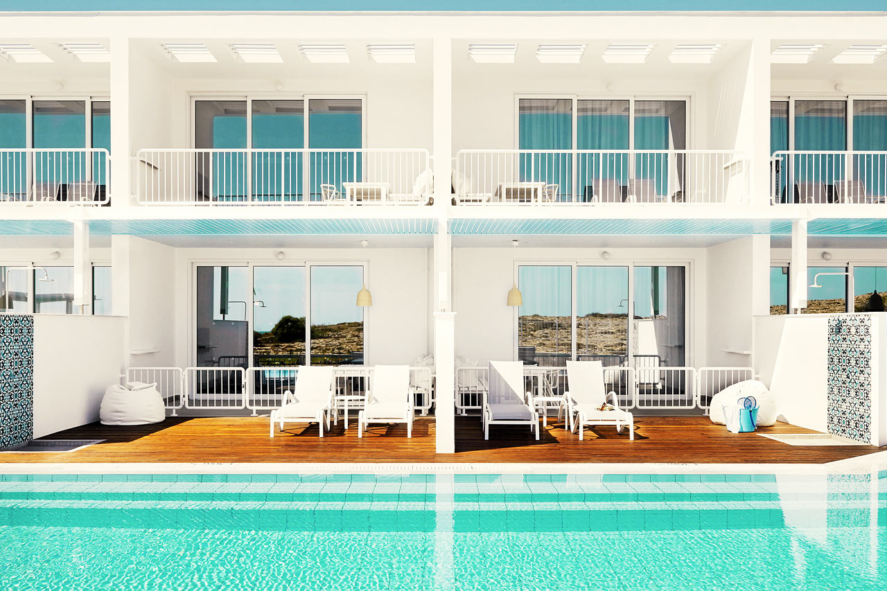 Sunwing Sandy Bay Beach - Royal Family Suite med två rum och swim out/pool access.
