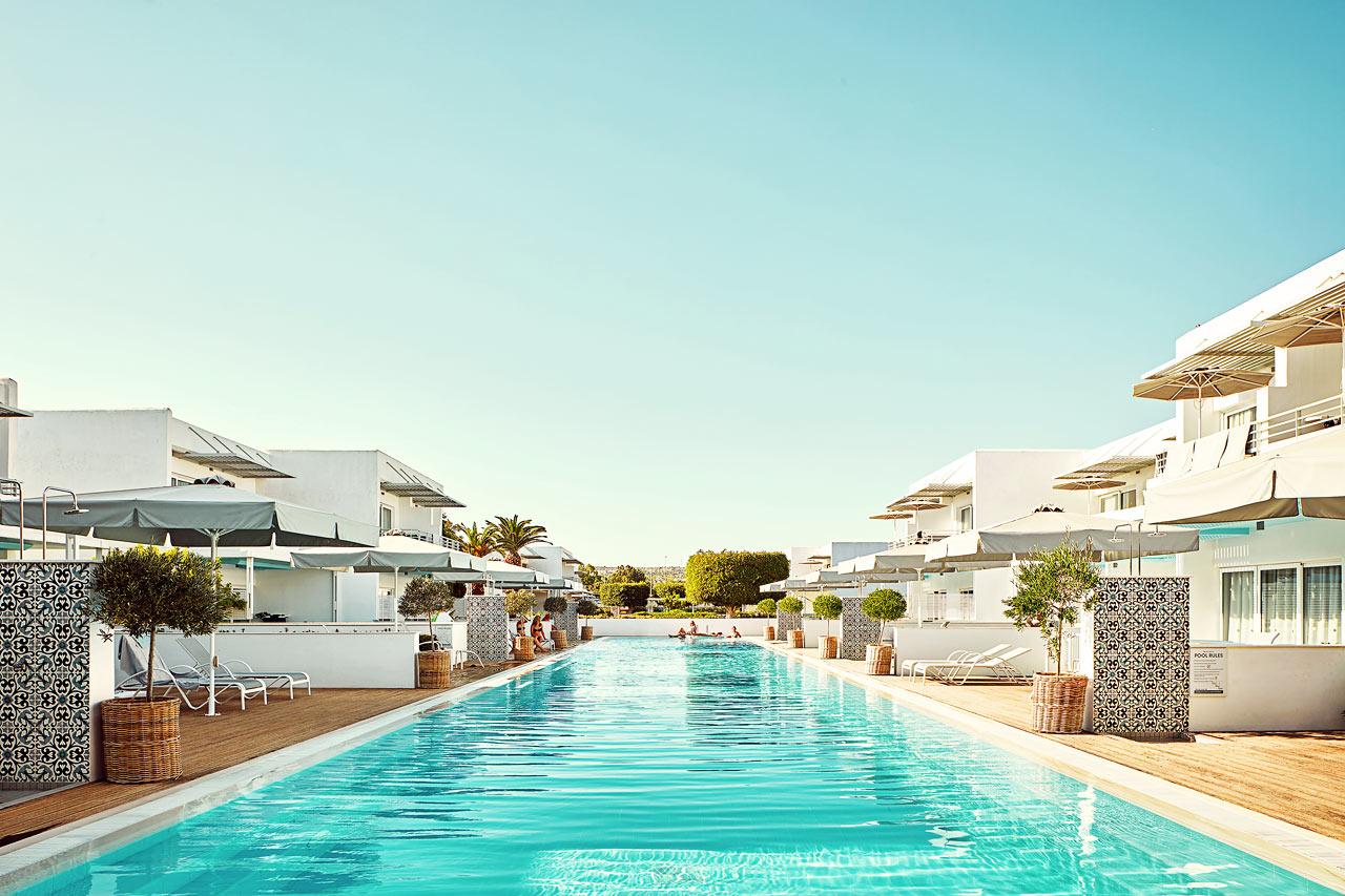 Royal Family Suite, stor terrass med access till privat, delad pool.