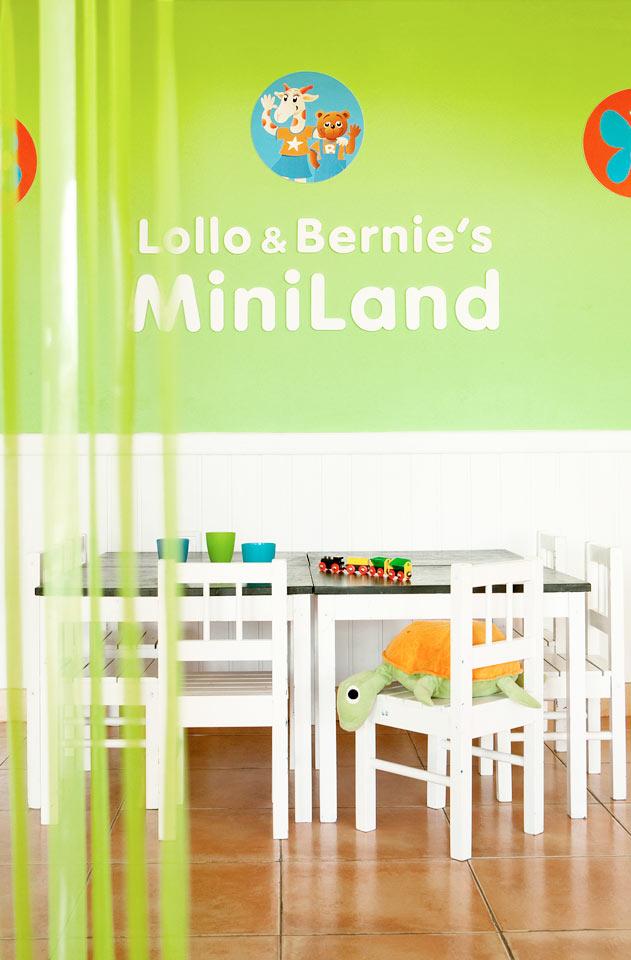 I Lollo & Bernies MiniLand kan barnen leka, pyssla och titta på film.