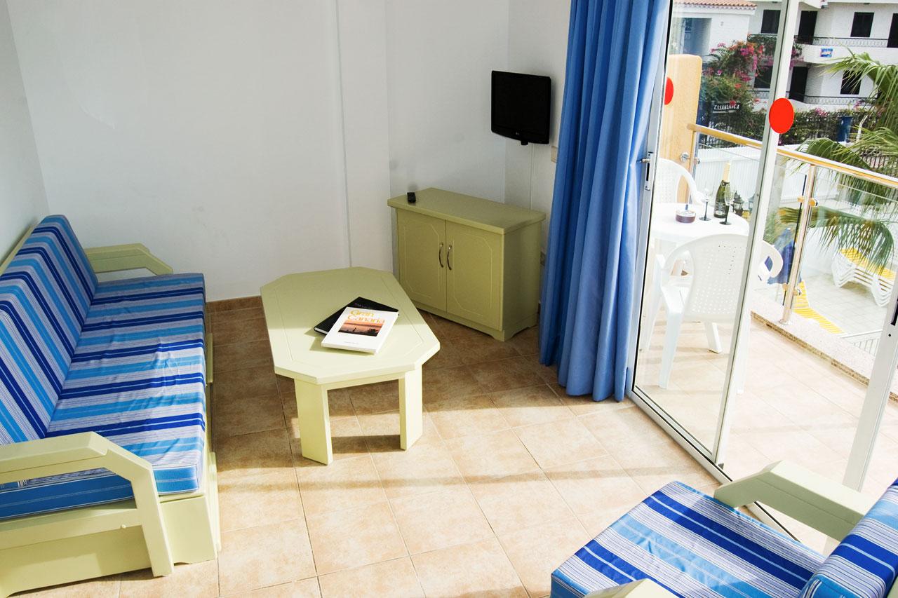 Se bilder från vårt hotell Apartamentos Karina i Playa del Inglés
