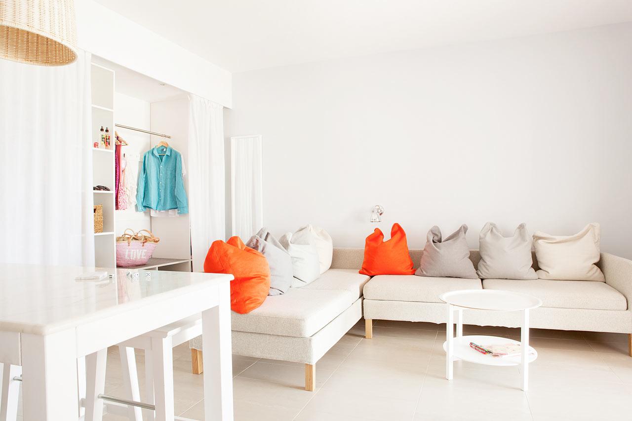 Sunwing Kallithea Beach - Trerumslägenhet Royal Family Suite med stor terrass mot omgivningarna, Helios.