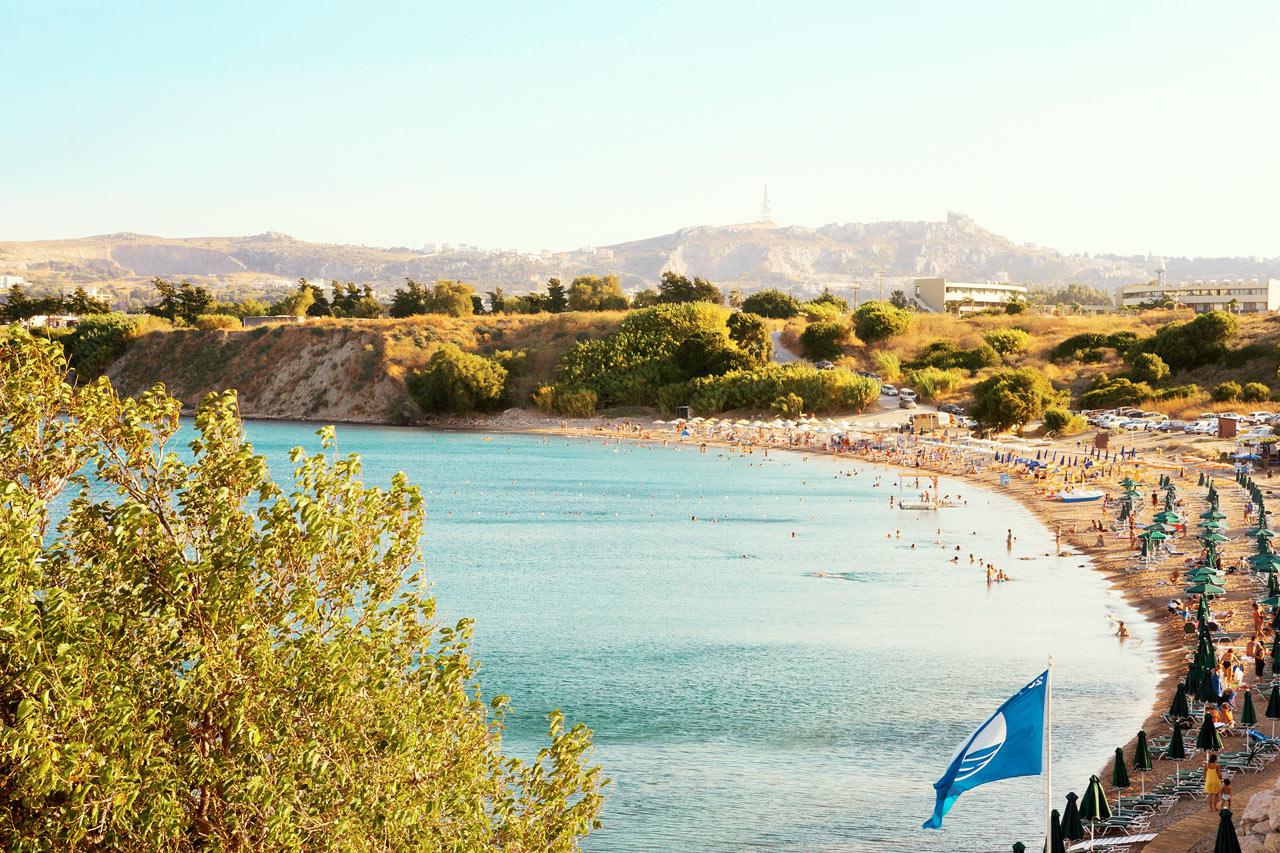 Sunwing Kallithea Beach - Den populära stranden alldeles nedanför resorten.