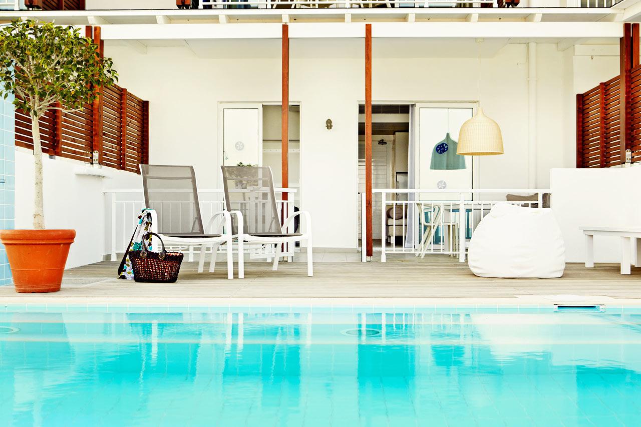 Sunwing Kallithea Beach - Tvårumslägenhet Royal Family Suite med terrass och swim out/direkt poolaccess, Triton.