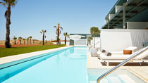 Vår idé om rum, Ocean Beach Club - Cypern